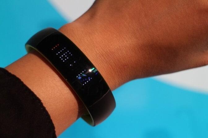 Фитнес-браслет Play Smart от компании Huawei