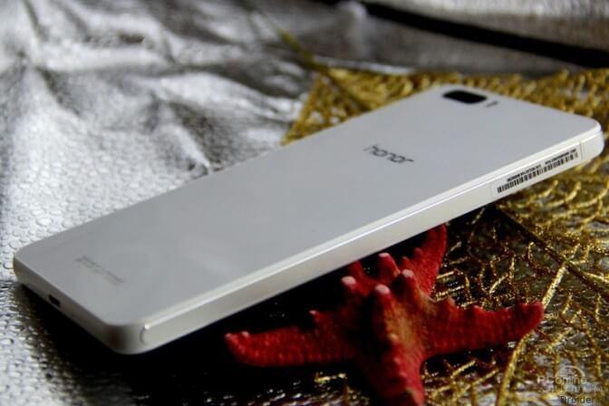 Увидел свет новый смартфон от компании Huawei