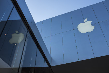 Facebook и Twitter поддержали Apple в споре с ФБР