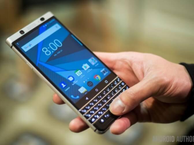 Blackberry представила смартфон с физической клавиатурой