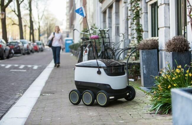 Робот-вездеход Starship. Пиццу доставляет не только дрон, но и наземный беспилотник