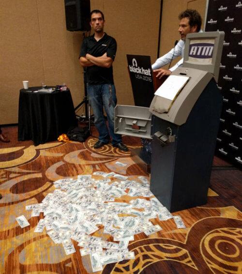 Обнаружен новый способ кражи денег с банковских карт