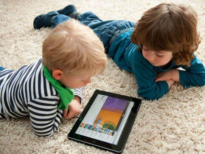 Ученые Канады: гаджеты замедляют развитие детской речи
