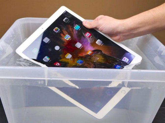 Новый iPad Pro с высокой защитой от воды.