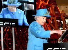Английская королева Елизавета II начала самостоятельно вести свой блог в Твиттере