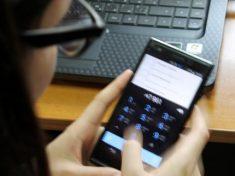 Эксперты: заряжать смартфоны через USB небезопасно